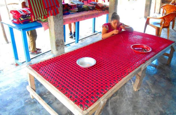 Rakhine-tribes-Waving