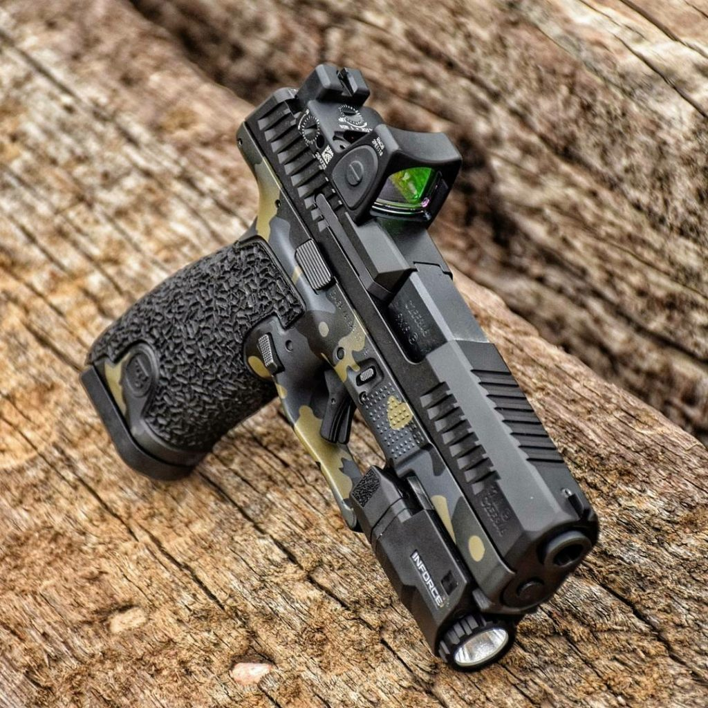 Specialty handgun coating with multicam and stippling, bu FNG Precision Coating