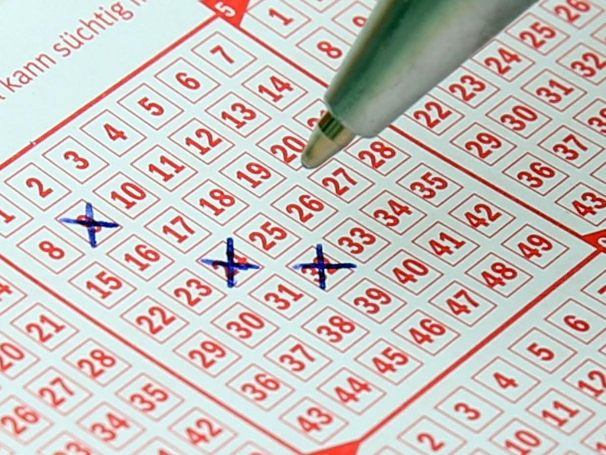 390億円の宝くじに当たった男の秘訣は...「25年間同じナンバーを選んだ」