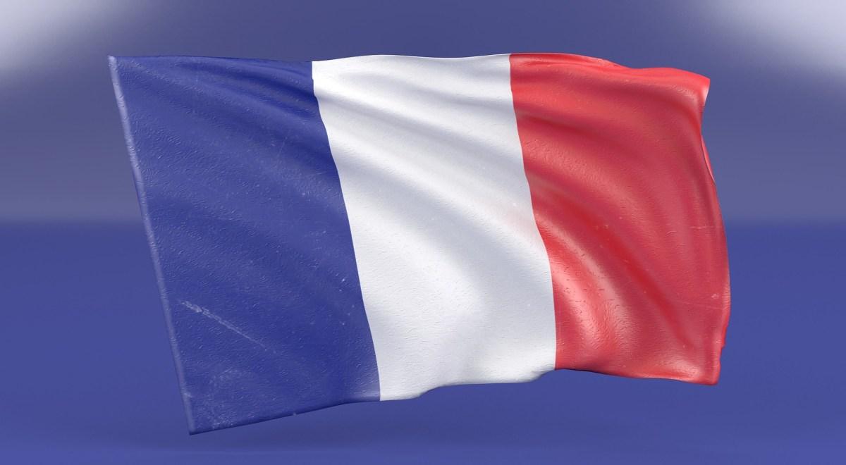 フランス国民が燃料価格高騰に不満爆発…マクロン大統領の支持率は26%に急落