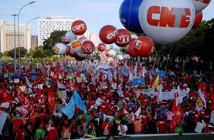 Por educação e aposentadoria, trabalhadores e estudantes voltarão às ruas dia 30