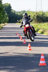 Prolongement des modalités pratiques temporaires de l'examen du permis de conduire des catégories A1 et A2.
