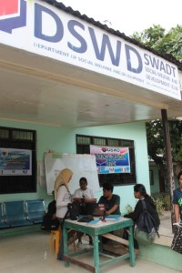 DSWD-IX Regional Information Technology Officer, Salman D. Digandang monitors validation activity in Ipil, Zamboanga Sibugay and 2 other provinces in the region.