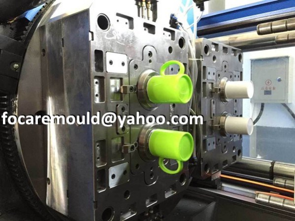 two color tumbler mold
