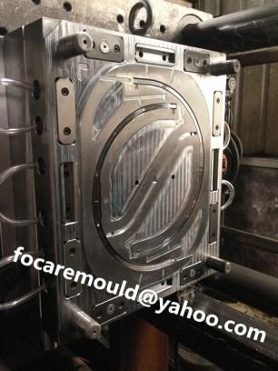 multi cavity bucket handle mold