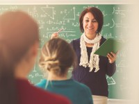 ¿Se logra con dinero retener a los mejores maestros?