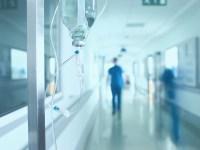 ¿Cómo salvar vidas y evitar el colapso hospitalario? Una receta del Reino Unido para combatir el coronavirus