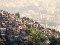 Los problemas de salud, la pobreza y los desafíos de COVID-19 en América Latina y el Caribe