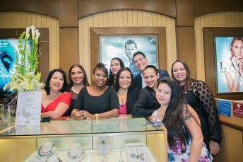 Swinda Ishmael, Rosita Martijn, Tanishia Jameson, Miryela Baez, Miriam Lopez Michael Aram, Zulienne Kock, Nicole Rubiano y Catherine Tong