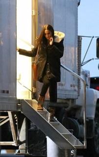 October 18, 2017: Meghan Markle saliendo di e edificio unda tabata filma escenanan di Suits na Toronto.