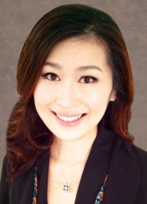A photo of Dr. Grace Lee, an ophthalmic plastic surgeon at Mass Eye and Ear.