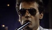 F. R. David com suas baladas românticas, melodias intemporais e nostálgicas
