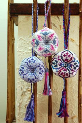 biscornu-ornaments.jpg