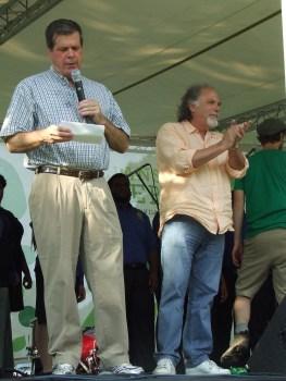 Mayor Karl Dean and Paul Worley at Musicians Corner