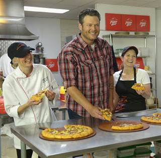 Blake Shelton Pizza Hut