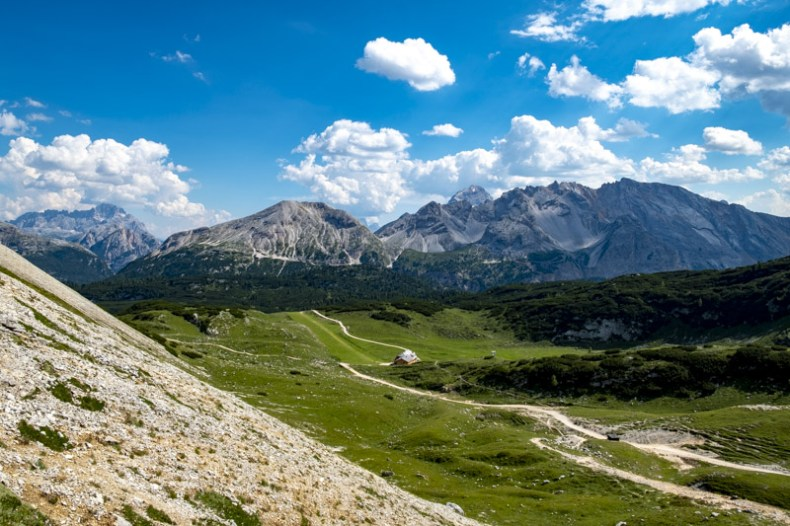 rifugio sennes trekking da pederu dolomiti