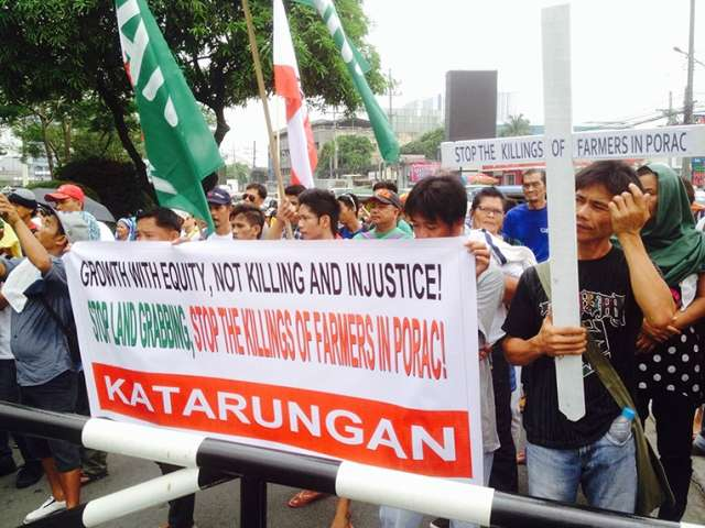Luzon Farmers March to DAR, Blast Ayala Land-grabbing and Gov't Inaction