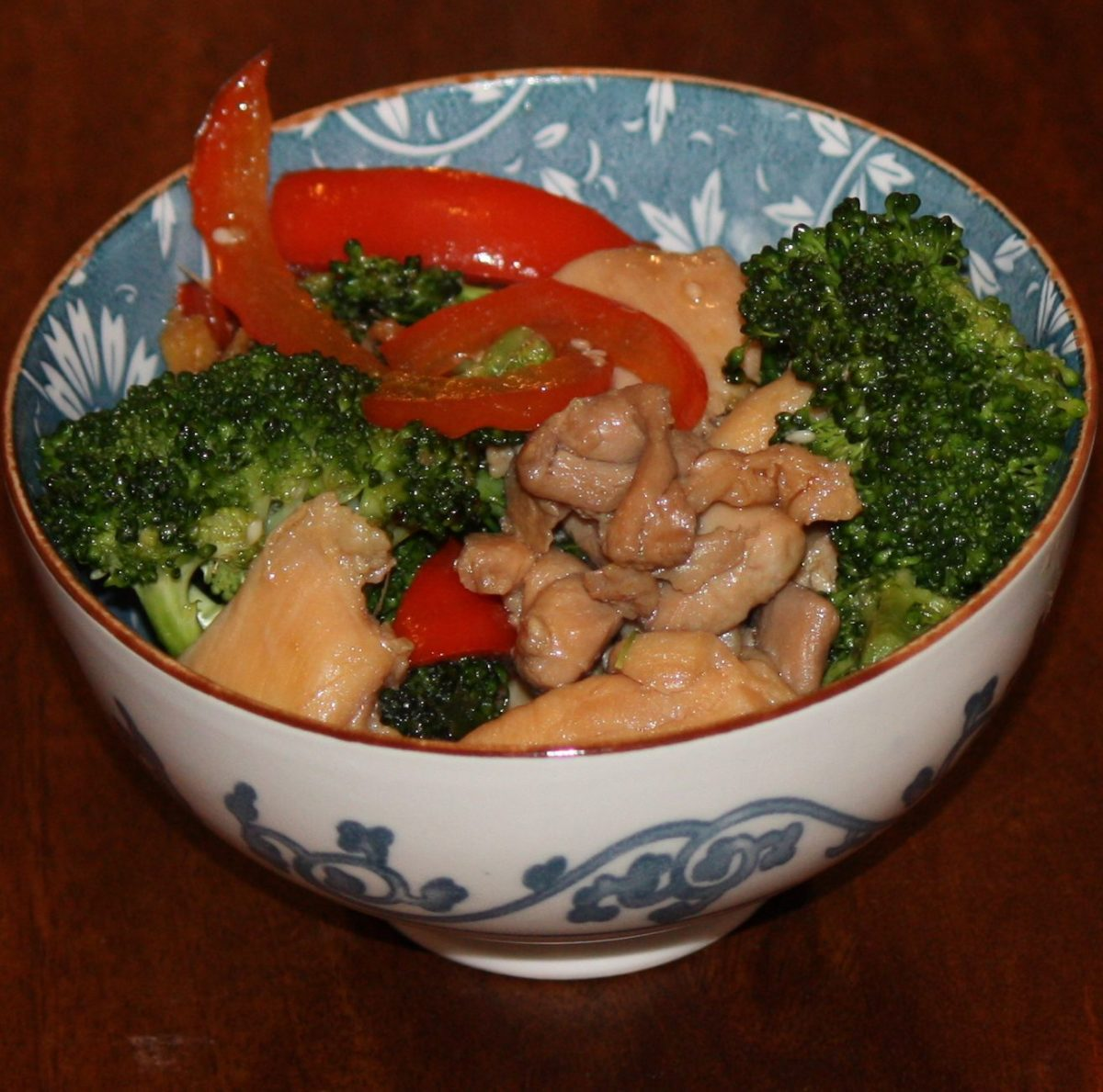 Gluten-Free and Low-FODMAP Chicken with Broccoli