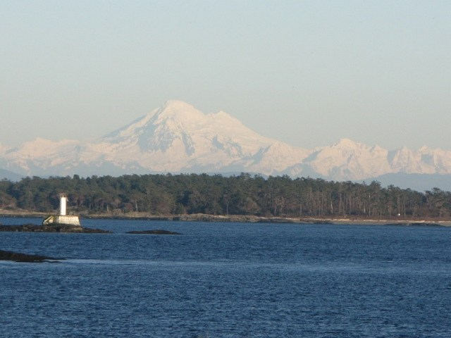 View from Sidney-by-the-Sea - Mount Baker (Washington) & Lighthouse