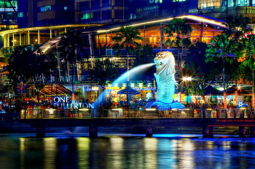 1280px-A_Night_Perspective_on_the_Singapore_Merlion_(8347645113)