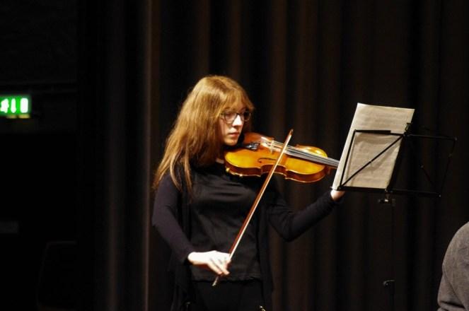 Musikschülerin Franka Rossel spielte Fritz Kreisler