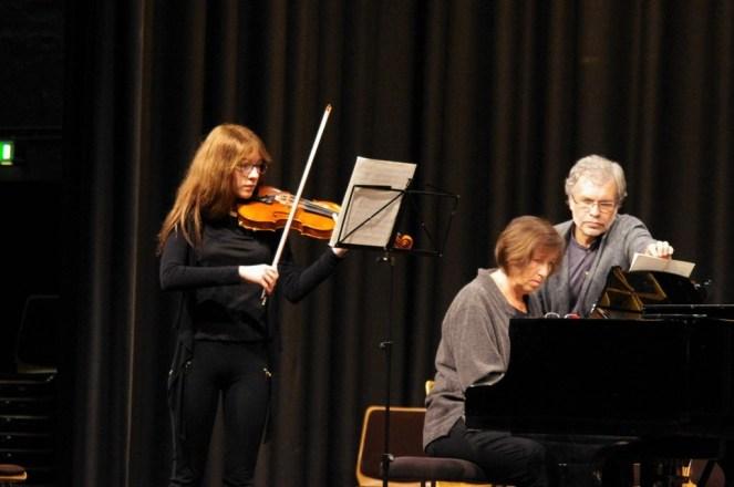 Franka Rossel (Geige) und Ulrike Küßner (Klavier)