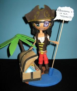 Fofucha personalizada Pirata Mamen y su bebé (frontal)