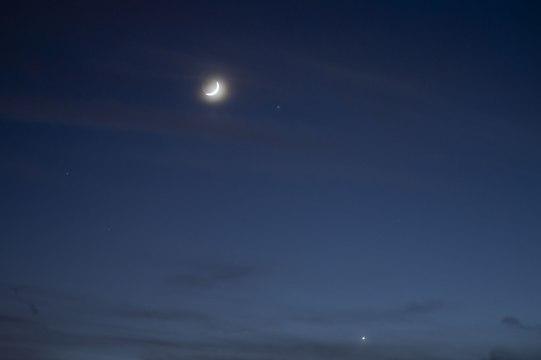 crescent-moon-2