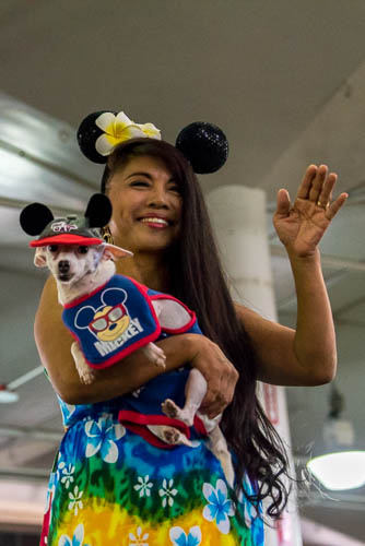 fokopoint-4187 Celebrities and Their Pets Fashion Show