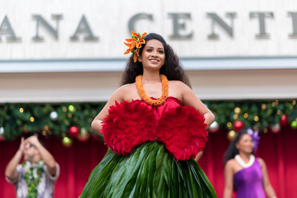 fokopoint-7466 Christmas Hula Show at Ala Moana Center