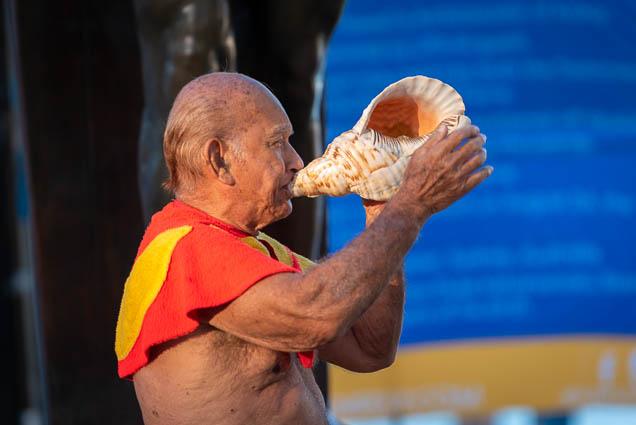 duke-kahanamoku-statue-birthday-lei-draping-waikiki-fokopoint-6649 Duke Kahanamoku Lei Draping Ceremony