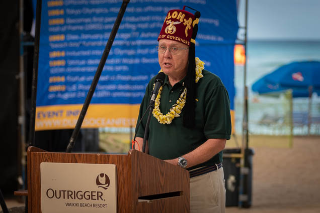 duke-kahanamoku-statue-birthday-lei-draping-waikiki-fokopoint-6693 Duke Kahanamoku Lei Draping Ceremony