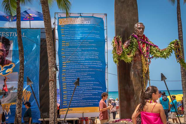 duke-kahanamoku-statue-birthday-lei-draping-waikiki-fokopoint-6820 Duke Kahanamoku Lei Draping Ceremony