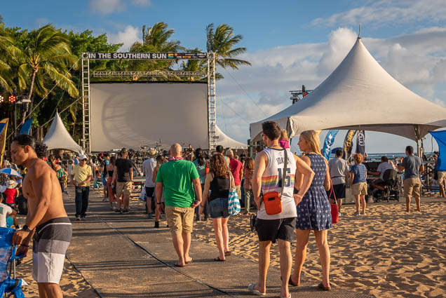 in-southern-sun-2019-queens-beach-waikiki-honolulu-fokopoint-7817 In the Southern Sun at Queen's Surf Beach