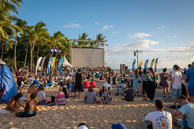 in-southern-sun-2019-queens-beach-waikiki-honolulu-fokopoint-7837 In the Southern Sun at Queen's Surf Beach