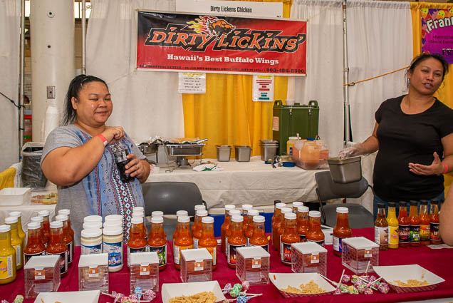dirty-lickins-buffalo-wings-hawaii-fokopoint-1196 Food and New Product Show at the Blaisdell