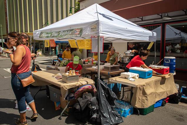 mama-diazs-pasteles-puerto-rican-food-hispanic-heritage-festival-honolulu-2019-fokopoint-0850 Hispanic Heritage Festival in Chinatown