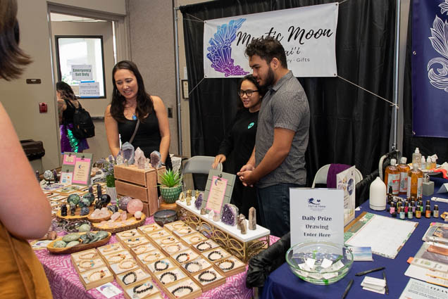 mystic-moon-hawaii-ohm-expo-honolulu-2019-fokopoint-1091 Organic Holistic & Metaphysical Expo