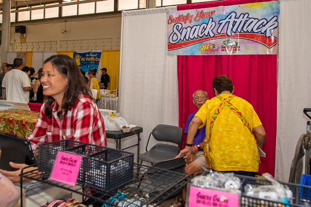 snack-attack-fokopoint-1146 Food and New Product Show at the Blaisdell