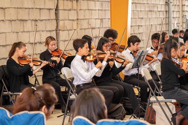 violins-hawaii-youth-symphony-salt-kakaako-fokopoint-1314 Hawaii Youth Symphony at Salt Kaka'ako
