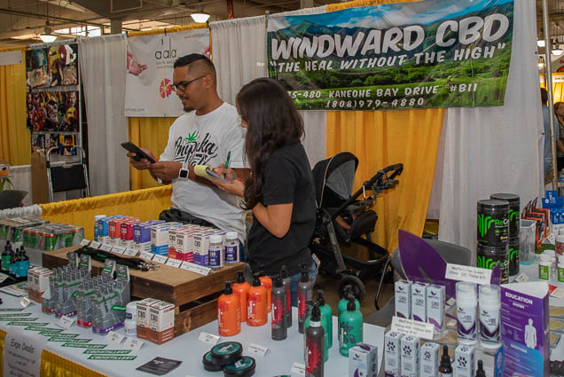 windward-cbd-hawaii-fokopoint-1167 Food and New Product Show at the Blaisdell