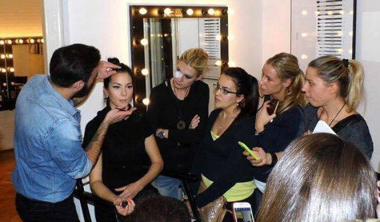 1 - Dragan Vurdelje tokom predavanja u njegovoj make up školi