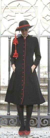 sorelle-fontana-priest