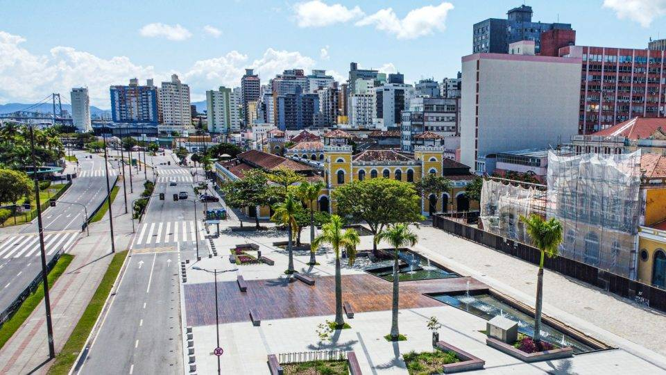 Av. Paulo Fontes, Largo da Alfândega e Mercado Público de Florianópolis fechados durante a pandemia de Covid-19| Foto: Cristiano Andujar/Prefeitura de Florianópolis