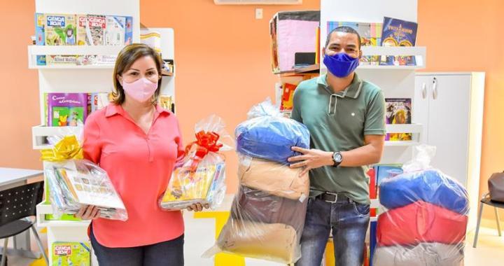 _ Ato de Entrega de Livros Infantis aos Alunos da Rede Pública Municipal de Rio Branco (Fotos Fagner Delgado) (4) (Copy)