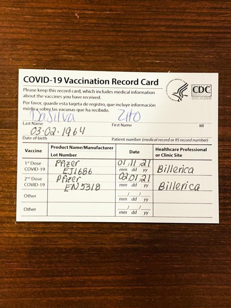 Cartão de vacinação do parnanguara preenchido com as duas doses da vacinação contra o Coronavírus (Foto: Divulgação)