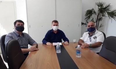 Prefeito Marcelo Roque recebe representantes do Comércio