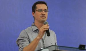 Deltan Dallagnol diz que cristãos podem ajudar a combater cultura da corrupção no Brasil