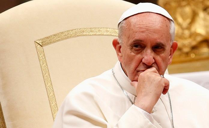 Papa Francisco pensativo