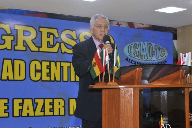 Pastor Elias Ramos Moreira, da igreja Assembleia de Deus Boliviana de Santa Cruz de la Sierra